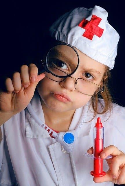 Jeux d'imitation, les déguisements et jeux pour devenir médecin - Jouet et jeux